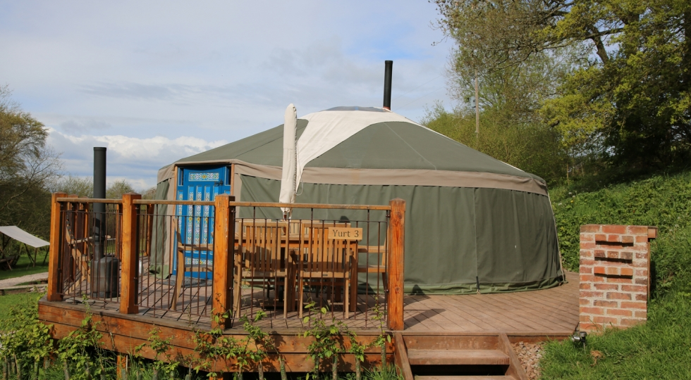 Yurt 3 new deck in sunshine beautiful holiday site